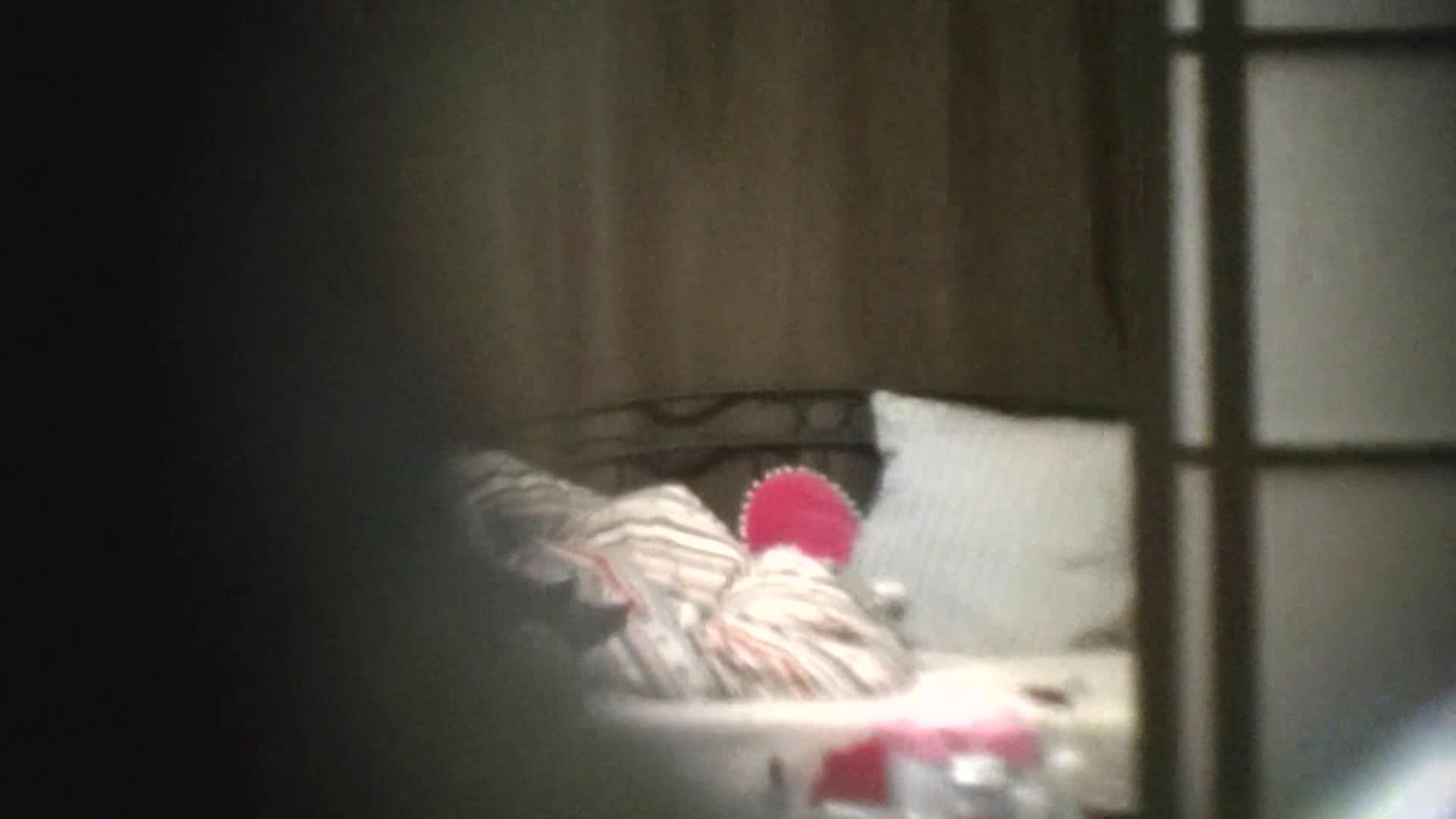 望遠カメラで民家ガチ盗撮!一人暮らしの可愛いお姉さんの着替え裸体を隠し撮りw